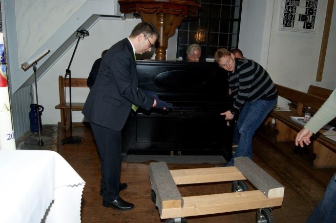 Rücktransport des Klaviers